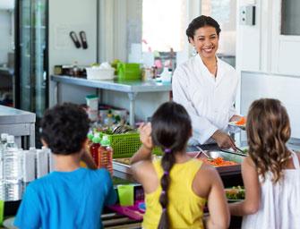 La cantine scolaire participe au bon équilibre nutritionnel des enfants
